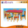 de madeira do jardim de infância de mesa e cadeira de mobiliário de criança