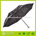 Rivestimento nero telaio ombrello, 3 volte ombrello stampato
