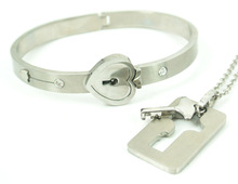 Wholesales fashion lovers silver 316L stainless steel heart lock and key bracelet