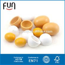2014 caliente vendedor de los niños del huevo de madera con juguete en el interior AT11498