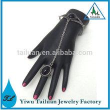 Oval Onyx Princess Hand Chain
