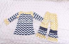 حار بيع الاطفال 2014 زائد حجم مجموعة ملابس كم طويل الأعلى شيفرون ولكشكش بانت الطفل الرضيع الملابس لرجال الجملة 1-6 سنوات من العمر