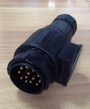 13 Pin 12 V plastic plug screw contacts