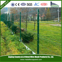 Good corrosion resistance Welded 3D folding pet fence