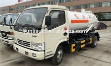 DFAC 4*2 driven Small vacuum sewage suction tanker truck