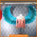 loja de moda decorativa grande pena asas de anjo