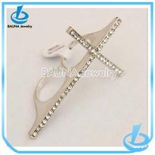 Wholesale rhodium alloy charm two finger rhinestone cross ring