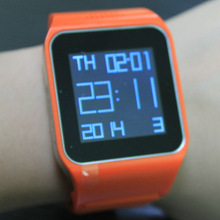 2014 Newest Android 4.0 smart watch and phone, watch phone made in China, watch men or lady