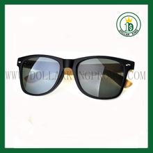Black matte sunglasses Plastic frame with bamboo wood leg