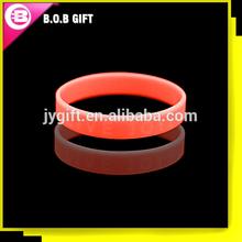 2014 ECO-friendly personalized silicone wristband unit