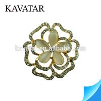 Bridal crystal rhinestone brooch in flower shape