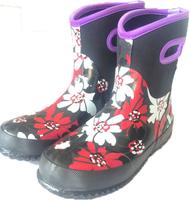1.W302 Hard-wearing Neoprene Women Rubber Boots