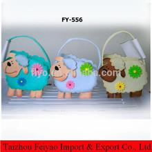 Felt sheep basket for Easter decoration