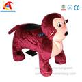 at0609 amusementang atraente crianças de balanço de madeira do cavalo pintado para shopping