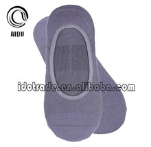 Newest OEM Serivce Supply Wholesale Elite China Factory Custom Gray Fuzzy Mens Slipper Socks