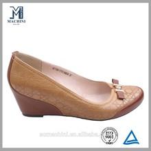 Agradável sapatos de cunha de couro senhora sapato de couro