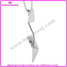 personalized shiny 316l stainless steel arrowhead pendant