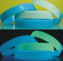 Eco-friendly natural silicone wrist band logo glow in the dark