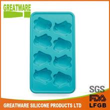 Penguin design silicone ice tray
