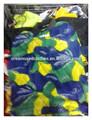 Utilisé la crème vêtements, chaussures et des sacs utilisés vêtements recyclés