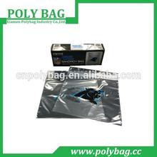 vacuum sealing zip lock plastic bags in a graphelloc carto