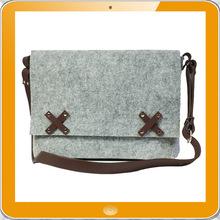 Latest design high quality100% wool felt 14 inch laptop messenger bag