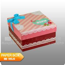 Favor design for children cake boxes