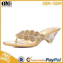 China shoe factory golden eye-catching crystal rhinestone elegant woman slipper
