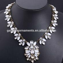 European Gorgeous Leaves Full Crystal Collar Bib Temperament Necklace