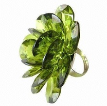 Factory Price Fashion Women Green Crystal Engagement Ring