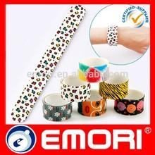 Hot selling promotional gift 4C printing reflective slap band bracelet