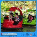 la familia de atracciones ovni paseo en coche de parachoques inflable para los niños