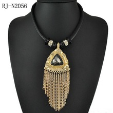 Triangle gem office OL deserve to act the role of sweater chain tassel necklace