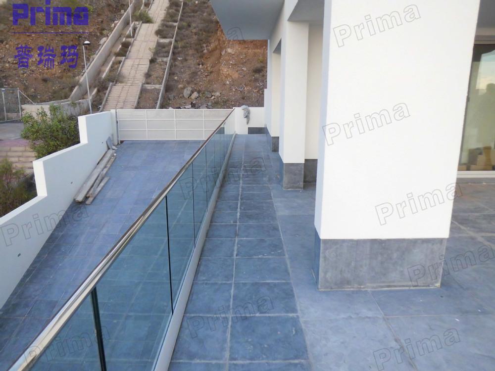 Personalizado padrão austrália gradeamentos para escadas interiores preço, modelos de portões e cercas de ferro