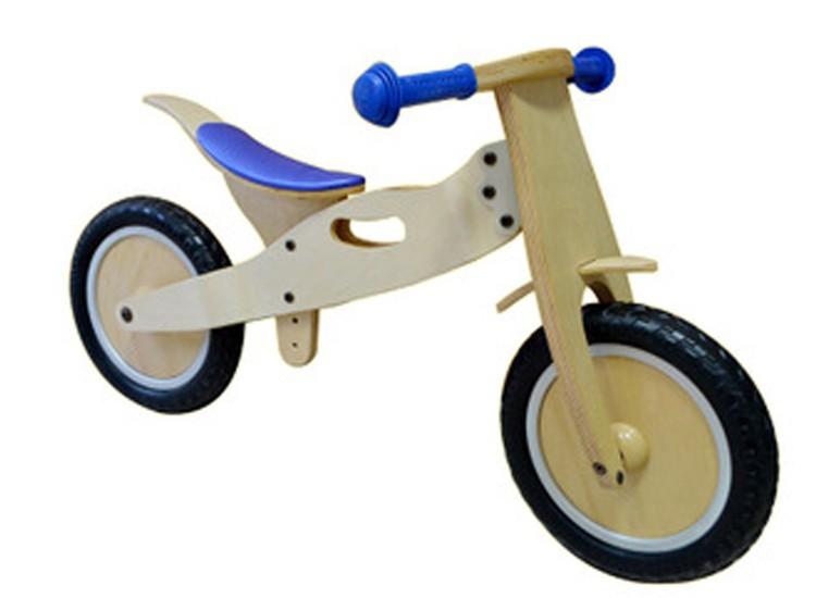 xe đồ chơi cho bé kết hợp giữa gỗ thông pallet và gỗ sồi già, lốp cao su