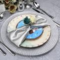 nuevo y barato de la boda y la restauración en relieve el diseño único de oro colorido astilla de vidrio cuadrados placa de cargador de venta al por mayor