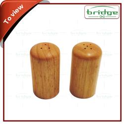 Modern fashion bamboo salt and pepper