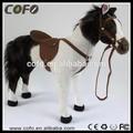 poder humano andar do luxuoso brinquedo do cavalo de pelúcia elétrica do brinquedo de borracha animal cavalo de brinquedo