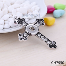 Best selling wholesale silver color zinc alloy crystal cross snap charm