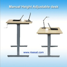 Manual crank adjustable height table