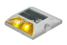 4 super bright Leds Solar flashing road traffic stud