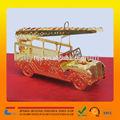 Oro modello di auto con un design unico utilizzato come regalo di natale/regalo