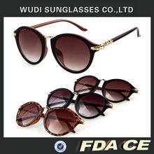 2014new design leader brand Promotion UV400 fashion dark glasses