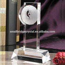 Wholesale Sandblating Customized Design Crystal Basketball Trophy For Sports Souvenir