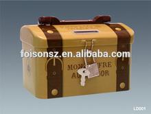 OEM fashion plastic handle metal lunch tin box with lock