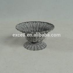 Shabby chic mini metal flower pot