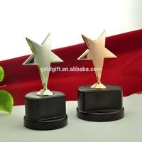 Contemporary survenir use cast iron statues metal trophy wholesale