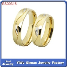 Factory hot sale fashion style couple gold plated stainless steel ring jewelry