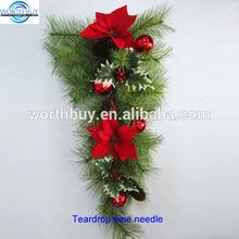 Poinsettias & red berry Christmas teardrop pine needle
