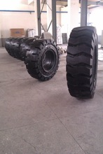 18.00-25 Good solid tire for loaders